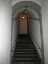 階段を上って・・・
