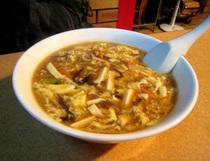 攤販街・酸菜麺