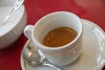カフェ・ノルマーレ(エスプレッソ)¥250(Caffe' Verde Domani カフェ・ベルデ・ドマーニ)