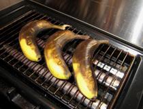 「グリルにバナナをポン」で完成!