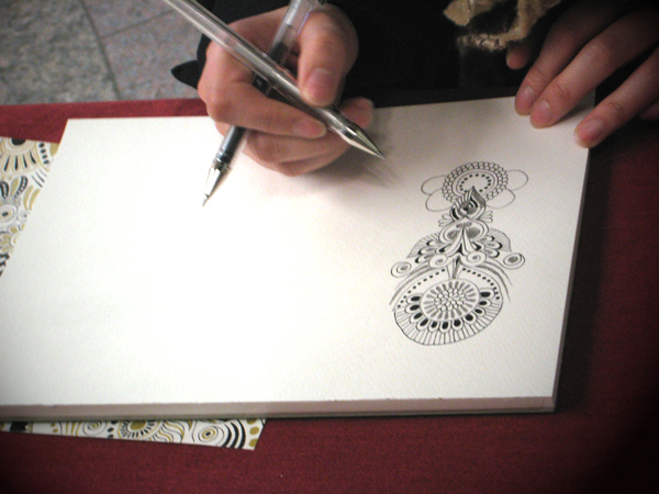 ひたすら描いてる、描いてる・・・ そう!PECHUさんです