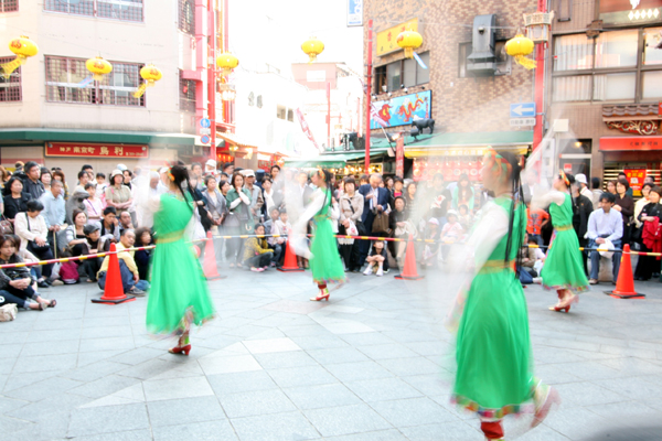 南京町広場で開催中の興隆春風祭